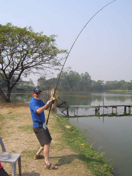 Dreamlake_Fishing_Thailand_sv100727