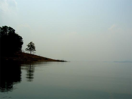 Snakehead Fishing Queen Sirikit dam